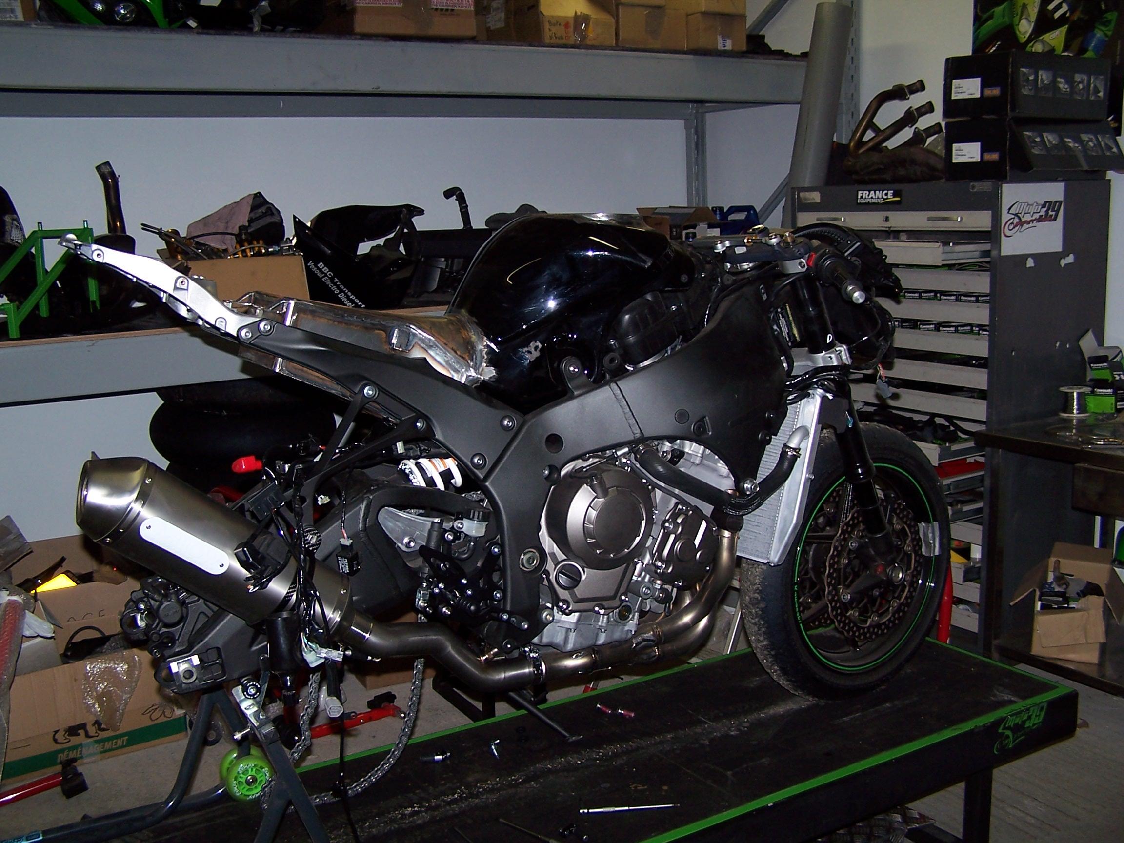 ZX10 R 2011