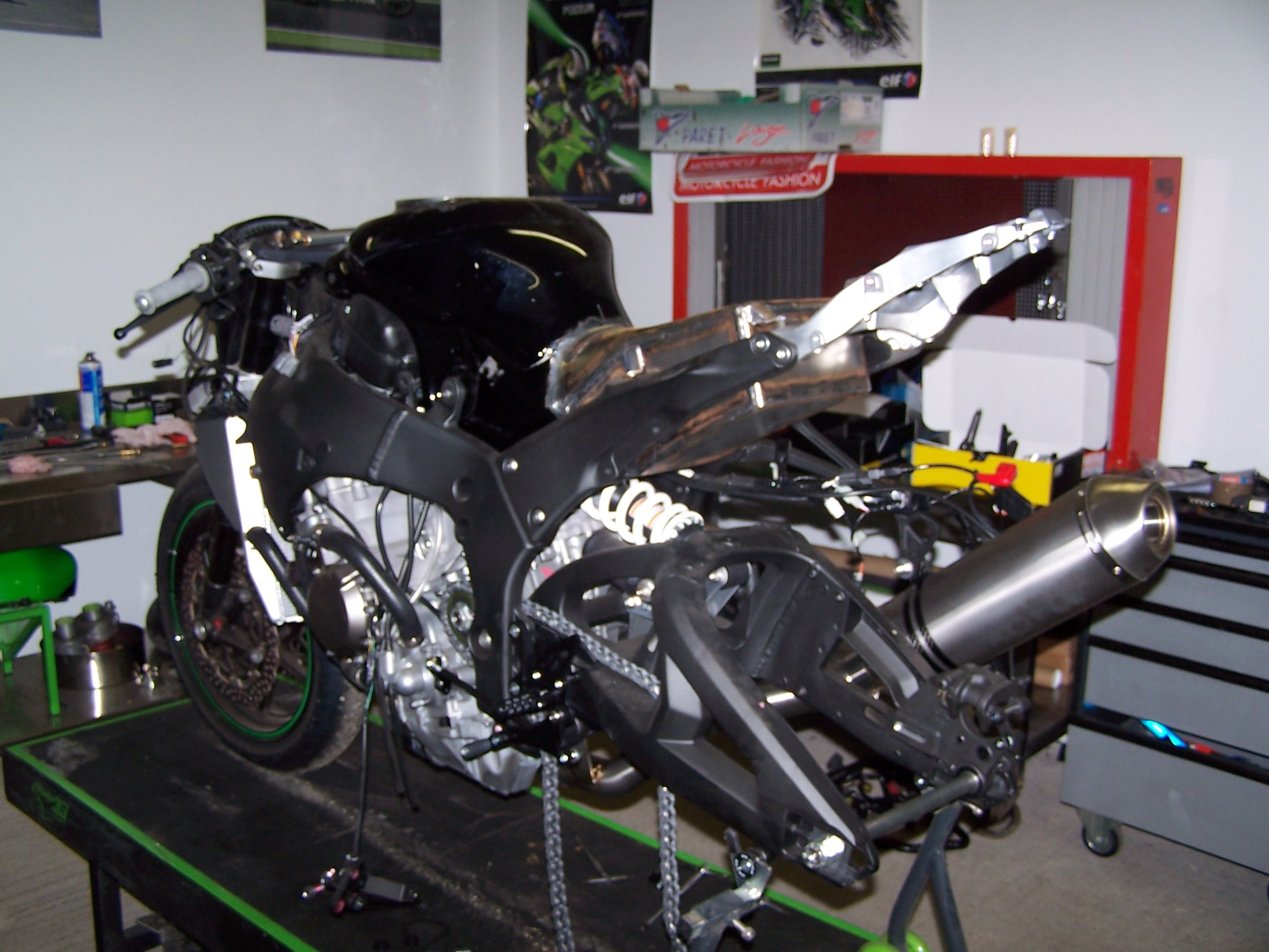 Zx10 r 2011(2)