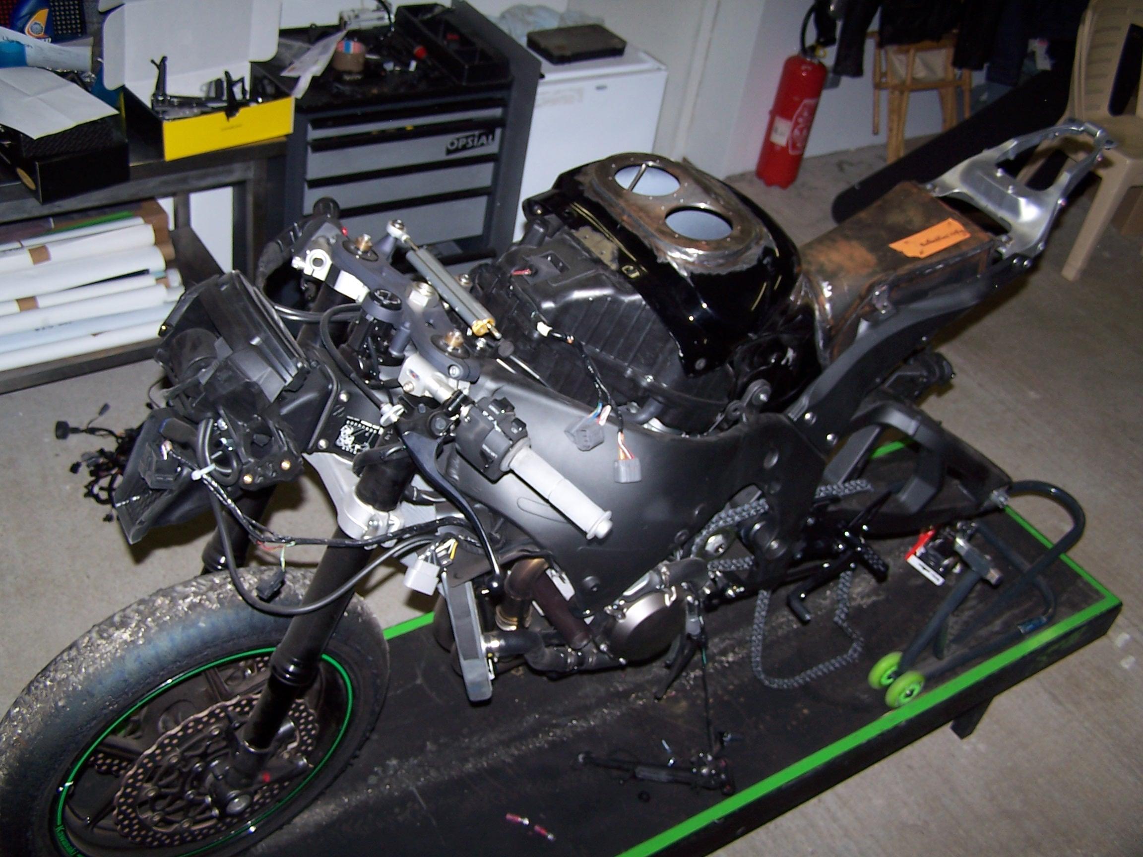 ZX10 R 2011 (1)